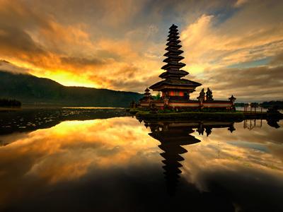 Groepsreis Indonesië: Bali Cultuur & Strand; Bali, eiland van goden en demonen afbeelding